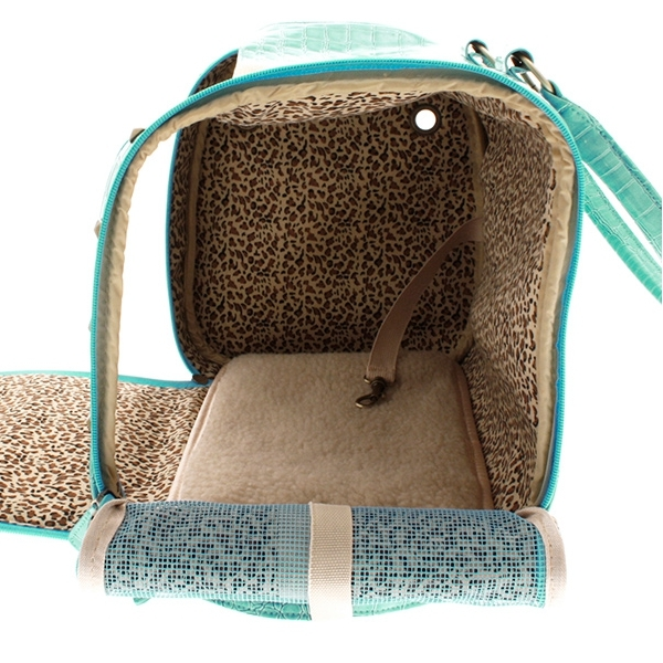 sac de transport bleu pour petit chien et chat sacs chics oh pacha. Black Bedroom Furniture Sets. Home Design Ideas